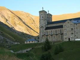 Sanktuarium w La Salette – katedra i hotel dla pielgrzymów