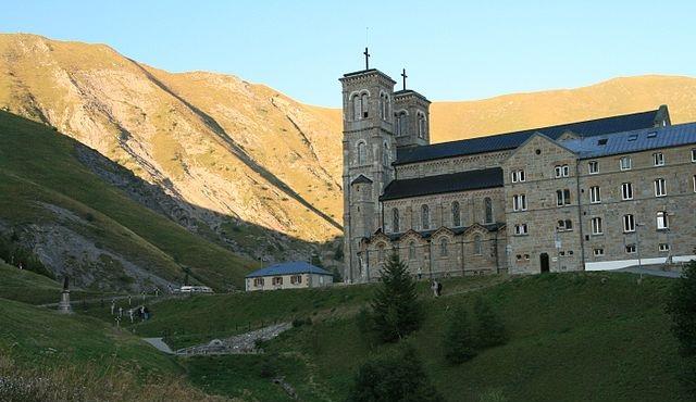 Sanktuarium w La Salette – bazylika i hotel dla pielgrzymów