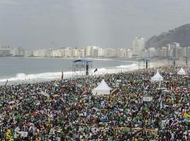 Msza święta podczas Światowych Dni Młodzieży, plaża Copacabana w Rio de Janeiro, 28 lipca 2013 r.