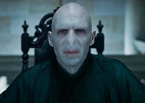 Voldemort_sprawiedliwy_sceptyk (źródło zdjęcia: zwiastun przedostatniego filmu o Harrym Potterze)