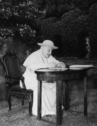 Papież Jan XXIII w Castelgandolfo, 21 sierpnia 1961.