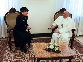 Pope_Francis_with_Cristina_Fernandez_de_Kirchner_2